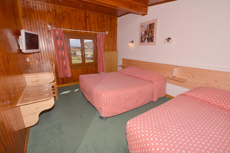Classics room h tel alpe d 39 huez les gentianes - Chambre d hote alpes d huez ...